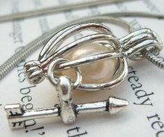 pearl - arrow necklace