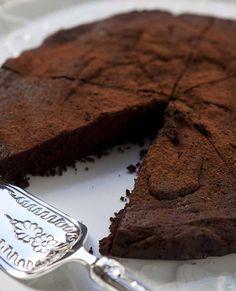 TORTA AL CIOCCOLATO SENZA FARINA http://www.csabadallazorza.com/ricette/torta-al-cioccolato-senza-farina/
