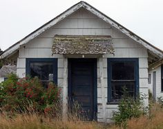 Investing in Highly Discounted Abandoned Houses - http://www.assessmyhome.com.au/investing-in-highly-discounted-abandoned-houses/ Now that the foreclosure and bank owned market has mostly run its cycle, investors are again looking for values in the retail market. Possibly the best place to look is at the abandon house market. There many reasons why a house becomes abandoned. Two of the most common are landlords that grow... http://realtybiznews.com/wp-content/uploads/2016/0