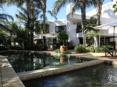 Beautiful family home with lovely garden in Ruimsig Kiddie Pool, Bar Areas, Luxury Spa, Large Bedroom, Real Estate Houses, Open Plan Living, Beautiful Family, Outdoor Entertaining, Living Area