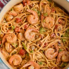 This One Pot Shrimp Fajita Pasta is the perfect 30 minute meal! And only a few ingredients! This One Pot Shrimp Fajita Pasta is the perfect 30 minute meal! And only a few ingredients! This One Pot Shrimp Fajita Pasta is the Pasta Recipes, Dinner Recipes, Cooking Recipes, Gf Recipes, 30 Minute Meals, Quick Meals, Homemade Fajita Seasoning, Potted Shrimp, Grilled Chicken Sandwiches