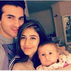 Adorable Pictures of Syra Shahroz with her cute daughter Nooreh - Pakistani Showbiz Buzz Industry | Latest News