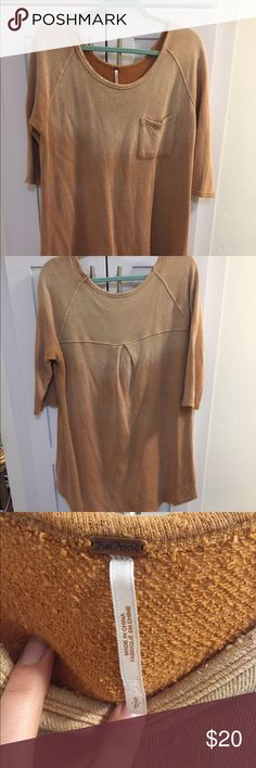 Free People 3/4 Sleeve Ombré Sweater Long Sweater. It's a small but fits more like a medium. Baggy. Barely worn. Free People Tops Sweatshirts & Hoodies
