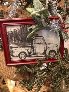DIY Framed Ornaments - The Shabby Tree How To Make Christmas Tree, Christmas Holidays, Christmas Ideas, Christmas Crafts, Christmas Decorations, Christmas Ornaments, Projects For Kids, Craft Projects, Tree Crafts