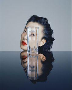 光彩出众 (Grazia China) Mirror Photography, Color Photography, Creative Photography, Portrait Photography, Fashion Photography, Beauty Shots, Foto Pose, Creative Portraits, Fashion Shoot