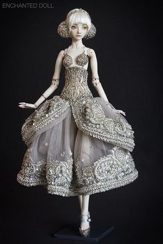 Marina Bychkova, one of the most amazing doll artists out there. So beautiful.