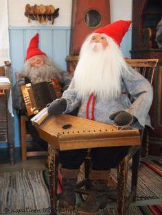 Kopallinen inspiraatiota Tyynelän tonttula - Tonttu - Elf - christmas deco Christmas Deco, Elf, Cards, Christmas Decor, Playing Cards, Faeries, Fairies, Christmas Ornaments, Female Elf