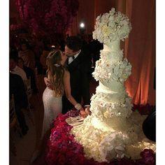 Sofia Vegara Wedding Cake