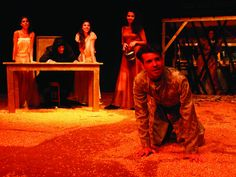 """As bruxas invadem o Teatro Alfredo Mesquita a partir do dia 26 de julho, com o espetáculo """"Salém"""", adaptação livre da peça """"As Bruxas de Salém"""", de 1953, do dramaturgo Arthur Miller."""