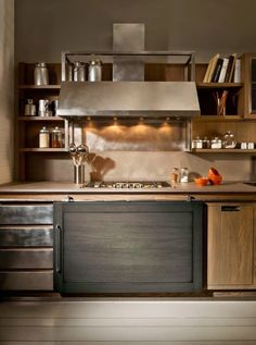 Each unit is designed house equipment and tablewear making easy working in the kitchen. Industrial Kitchen Design, Industrial House, Industrial Chic, Minimalist Kitchen, Interior Inspiration, Kitchen Decor, Sweet Home, Home Decor, Houses