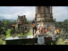Jesse & Joy - Llorar (feat. Mario Domm) [Video Oficial]