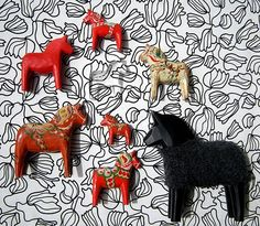 ah, Dala horses---that is the first time I have seen the black one...