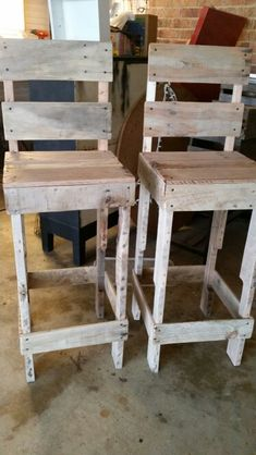 1000 Ideas About Pallet Bar Stools On Pinterest Pallet