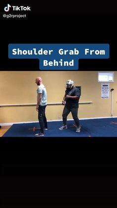 Krav Maga Self Defense, Self Defense Moves, Self Defense Martial Arts, Fight Techniques, Martial Arts Techniques, Self Defense Techniques, Martial Arts Workout, Martial Arts Training, Dishoom