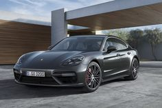 Porsche Panamera: tutta nuova ma è sempre lei