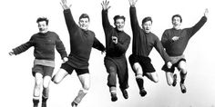 Manchester United's Busby Babes (left to right) Johnny Berry, Duncan Edwards, Mark Jones, Roger Byrne and Dennis Viollet in training