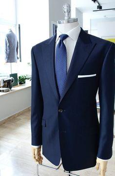 Mercer Szycie na Miarę - Poznań i Warszawa #mercerfashion # #modamęska #garnitur #suit #szycienamiare #Warszawa #Poznan Best Suits For Men, Cool Suits, Blue Suit Men, Blue Suits, Sharp Dressed Man, Well Dressed, Mens Fashion Suits, Mens Suits, Terno Slim