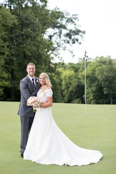Hole in one wedding in Knoxville, Tennessee Wedding at Gettysvue Country Club. Click to see more photos by Shane Hawkins Photography