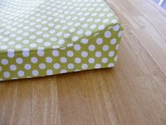 Tutorial: Make a fitted cover for a changing pad · Sewing | CraftGossip.com - @Lynna Wischnewsky - check this out and see if you can do it!!!