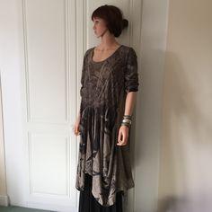 MILLENIUM MADE IN ITALY MID CALF TULIP ASYMMETRICAL AQUA AND BLACK DRESS