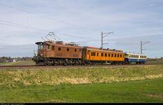 Net Photo: 14 Eurovapor Be at Ossingen, Switzerland by Georg Trüb Swiss Railways, Tartan Kilt, Steam Locomotive, Photographs, Electric, Vehicles, Beautiful, Green, Locomotive