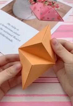 simple origami for kids ; simple origami step by step ; simple origami for kids step by step ; simple origami for kids easy diy Cool Paper Crafts, Paper Crafts Origami, Diy Paper, Origami Gifts, Crafts With Cardboard, Foam Crafts, Diy Crafts Hacks, Diy Crafts For Gifts, Diy Home Crafts