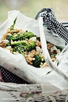 Komosa ryżowa z brokułami i orzeszkami pinii | Kwestia Smaku