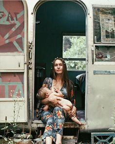Because we're all a little bohemian at heart - Breastfeeding Portraits that Celebrate (and Normalize) the Beauty of Motherhood - Photos Breastfeeding Photography, Breastfeeding Photos, Extended Breastfeeding, Moda Hippie, Gypsy Living, Gypsy Life, Mothers Love, Mother And Child, Mommy And Me