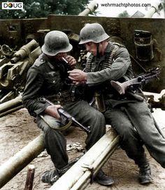 """Großdeutschland"" Div. - MP40/MG.42 - Russian ZIS.3 76mm cannons - Wilkowischken, Lithuania - August 1944"