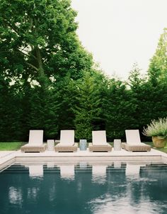 Pool from Lonny Magazine June/July Photo by Patrick Cline. Outdoor Pool, Outdoor Spaces, Outdoor Gardens, Indoor Outdoor, Outdoor Living, Design Patio, Living Pool, Design Jardin, House Of Turquoise