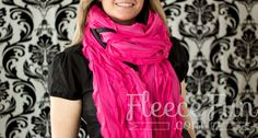 You can make warm and fun ruffles scarf in minutes! Easy tutorial.