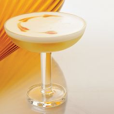 The national cocktail of Chile and Peru, this drink may have evolved from the Pisco Punch, which was all the rage in San Francisco during the 1849 gold rush. Sour Cocktail, Cocktail Drinks, Cocktail Recipes, Punch Recipes, Wine Recipes, Peru, Holiday Punch Recipe, Chile, Non Alcoholic Drinks