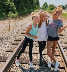 Laur, Ruby and Nadia turner💕 cuties Sexy Outfits, Kids Outfits, Cute Outfits, Summer Outfits, Young Models, Child Models, Preteen Fashion, Kids Fashion, Nadia Turner