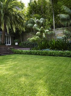 Backyard Landscaping ideas are really important for those who have a large garden. Because it is really important to design a large garden to be comfo. Front Yard Garden Design, Tropical Garden Design, Small Front Yard Landscaping, Tropical Backyard, Home Garden Design, Backyard Garden Design, Tropical Landscaping, Garden Landscape Design, Lawn And Garden