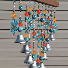 The wind chimes that hang out on the terrace and make music when wind blow are wonderful decoration and admit that you always delighted when you see them Boho Diy, Boho Decor, Wind Charm, Make Wind Chimes, Home Decor Dyi, Ring My Bell, Bohemian Room, Alternative Christmas Tree, Boho Home