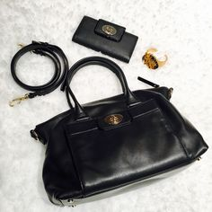 Kate Spade Crossbody and Wallet Set in excellent condition. shows minor signs of wear. soft leather. only sold as a set. comes w a dustbag kate spade Bags Crossbody Bags