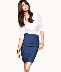 Look elegant and trendy in the latest pencil skirts, easy to combine with our many accessories to create your own personal style. Mix it up with colors or stylish black. Short and knee-length styles set the trend.