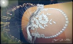 floral torchon. Raquel Adsuar. facebook Lace Making, Dream Catcher, Concept, Floral, Facebook, Youtube, Bobbin Lacemaking, Needlepoint, Fabrics