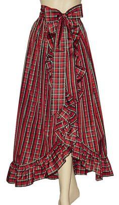 Long Plaid Skirts - silk looks elegant. Long Plaid Skirt, Plaid Skirts, Skirt Outfits, Dress Skirt, Dress Up, Tartan Fashion, Skirt Fashion, Style Anglais, Check Dress