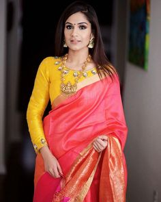 Full sleeves blouse designs look really nice and it doesn't matter what body type you have. Here we've compiled these latest long saree blouse designs that you can try with your lehenga, sare… Blouse Back Neck Designs, Silk Saree Blouse Designs, Fancy Blouse Designs, Indian Blouse Designs, Pink Saree Blouse, Wedding Saree Blouse, Choli Designs, Saree Blouse Patterns, Wedding Sarees