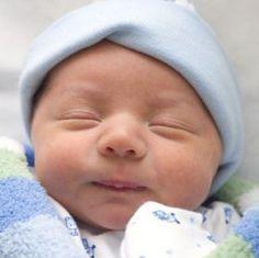 Como ajudar seu bebê a se acalmar nos momentos de choro constante | Macetes de Mãe
