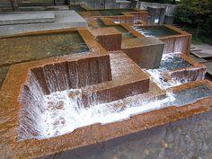 Google Image Result for http://upload.wikimedia.org/wikipedia/commons/e/e0/Keller_Fountain,_Portland_2007.jpg