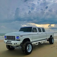 I actually prefer this design for this 1976 Ford Work Trucks, Big Ford Trucks, 79 Ford Truck, Classic Ford Trucks, Diesel Trucks, Chevy Trucks, Lifted Trucks, Ford Obs, Obs Truck
