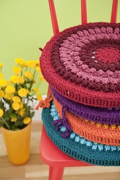 Ravelry: Rainbow Cushions pattern by Maya Mackowiak Elson. ☀CQ Thanks for sharing! ¯\_(ツ)_/¯ Love Crochet, Diy Crochet, Crochet Crafts, Crochet Hooks, Crochet Projects, Crochet Cushions, Crochet Pillow, Cotton Cord, Confection Au Crochet
