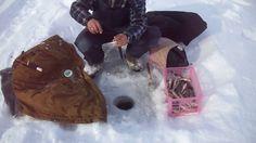 Ловля окуня из подо льда.Хорошая зимняя рыбалка.