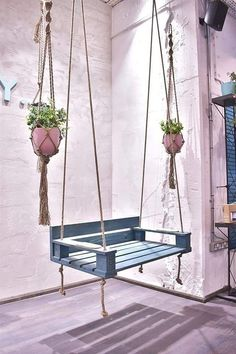 Diy Garden Furniture, Diy Outdoor Furniture, Diy Garden Projects, Diy Pallet Furniture, Outdoor Decor, Decoration Plante, Small Balcony Decor, Home Room Design, Porch Swing