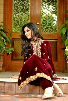 Play with velvet and sheen, minimal fullness, more tailored drama. Western Dresses, Indian Dresses, Ethnic Fashion, Indian Fashion, Desi Clothes, Velvet Fashion, Pakistani Outfits, Pakistani Bridal, Classy Outfits