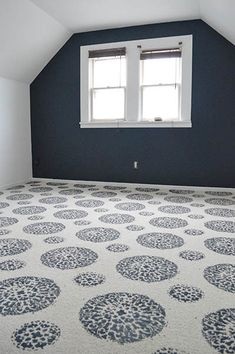 How to Paint a Carpet Magic Carpet Ride   Sarah's Big Idea http://www.sarahsbigidea.com/2014/11/magic-carpet-ride/