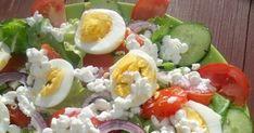 Błyskawiczna do wykonania, smaczna, zdrowa i pożywna sałatka na sałacie z pomidorem, ogórkiem, jajkiem na twardo oraz moim ulubionym... Caprese Salad, Cobb Salad, Sushi, Ethnic Recipes, Food, Essen, Meals, Yemek, Insalata Caprese