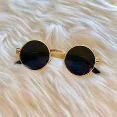 Michael Kors Women's Tiffany Rose Gold Tone Stainless Steel Watch – The Fashion Mart Glasses Frames Trendy, Cute Glasses, Stylish Sunglasses, Sunglasses Women, Glasses Trends, Fashion Eye Glasses, Accesorios Casual, Cat Eye Frames, Womens Glasses